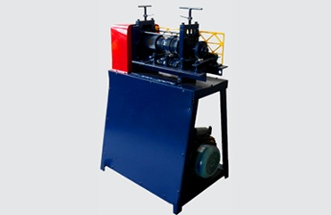 Automatic wire stripping machine (918-B)